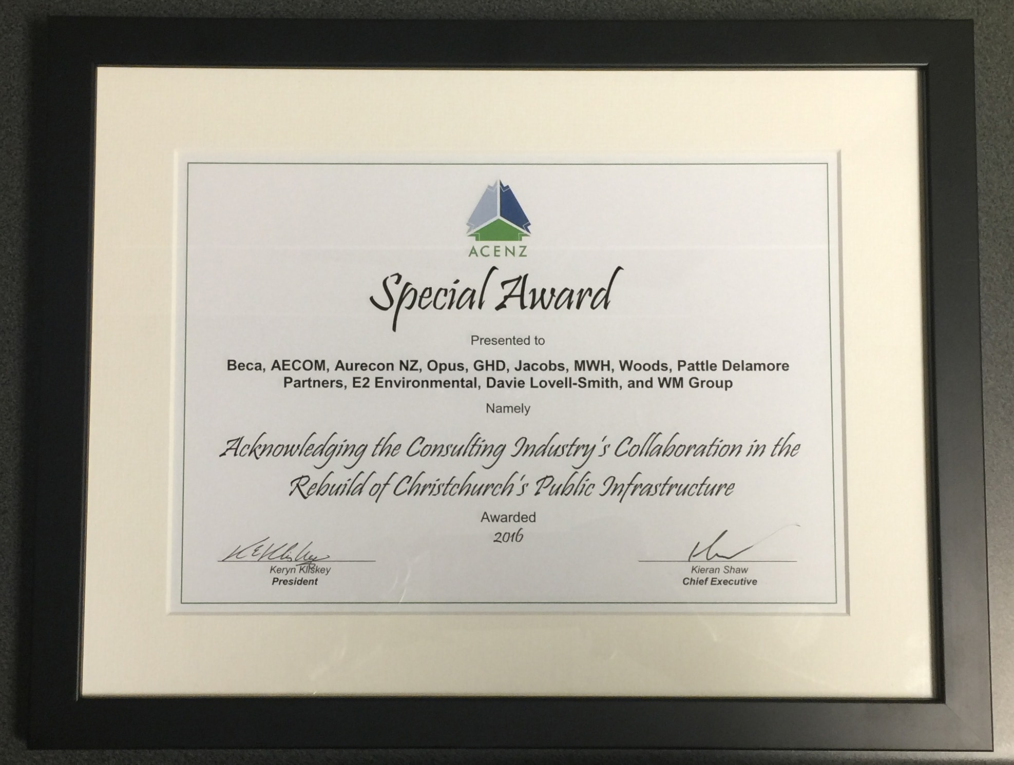 ACENZ provides Special Award 2016 to PDP and other members of SCIRT Team